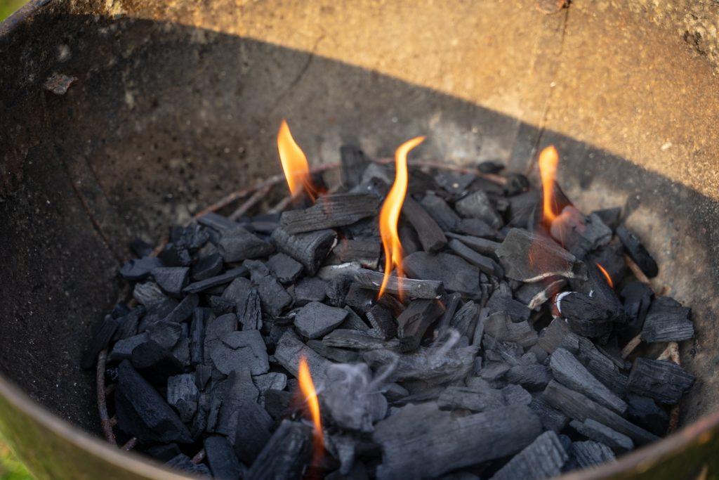 Grillhandschuhe sind sehr nützlich um nicht verbrannt zu werden.